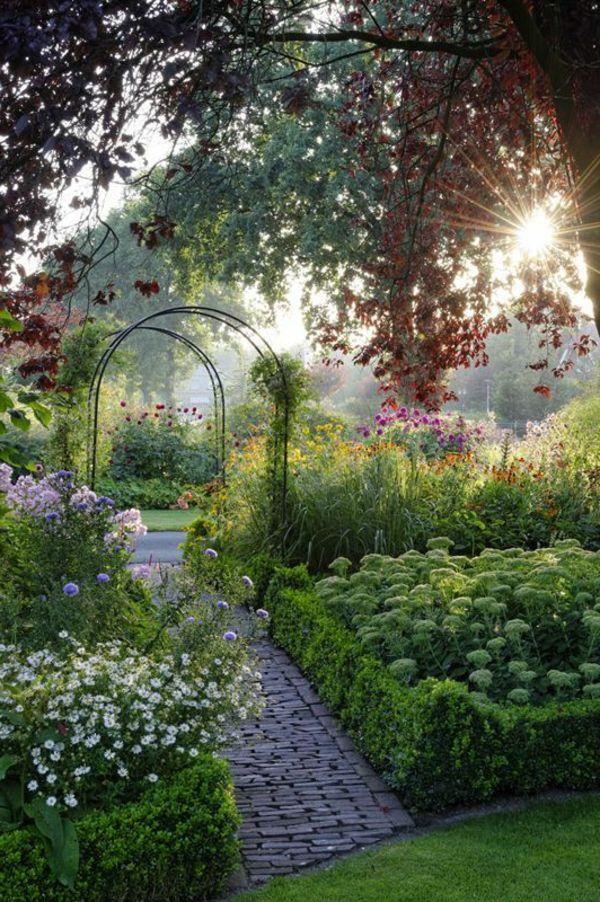 Terrassen und gartengestaltung durch pflanzen aufpeppen for Pflanzengestaltung garten