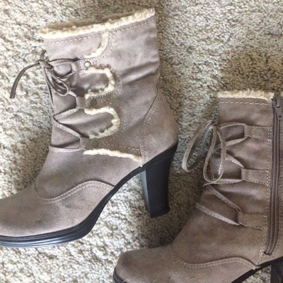 Mudd size 8 boots Beige ladies boots size 8 zip up on the sides with faux lacing in front. Suede look with sheep interior look. Mudd Shoes Lace Up Boots