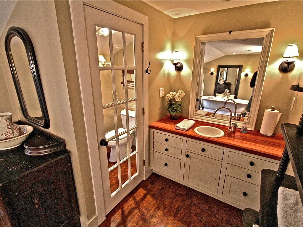 Luxury Waterfront Lake Estate- Cape Cod / Plymouth Resort-like home ...