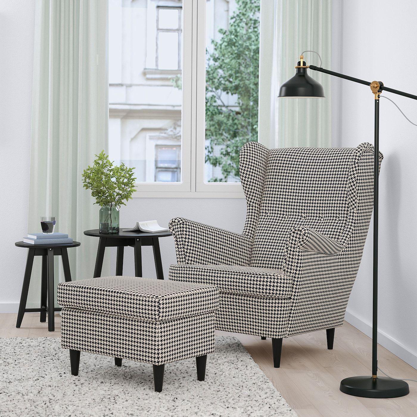 Strandmon Ohrensessel Vibberbo Schwarz Beige Ikea Deutschland In 2020 Wing Chair Ikea Strandmon Living Room Colors
