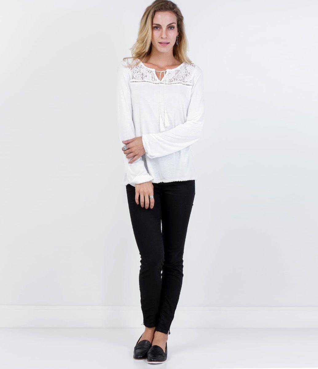 Queima Estoque - Blusa Manga Longa Branca e Listrada com