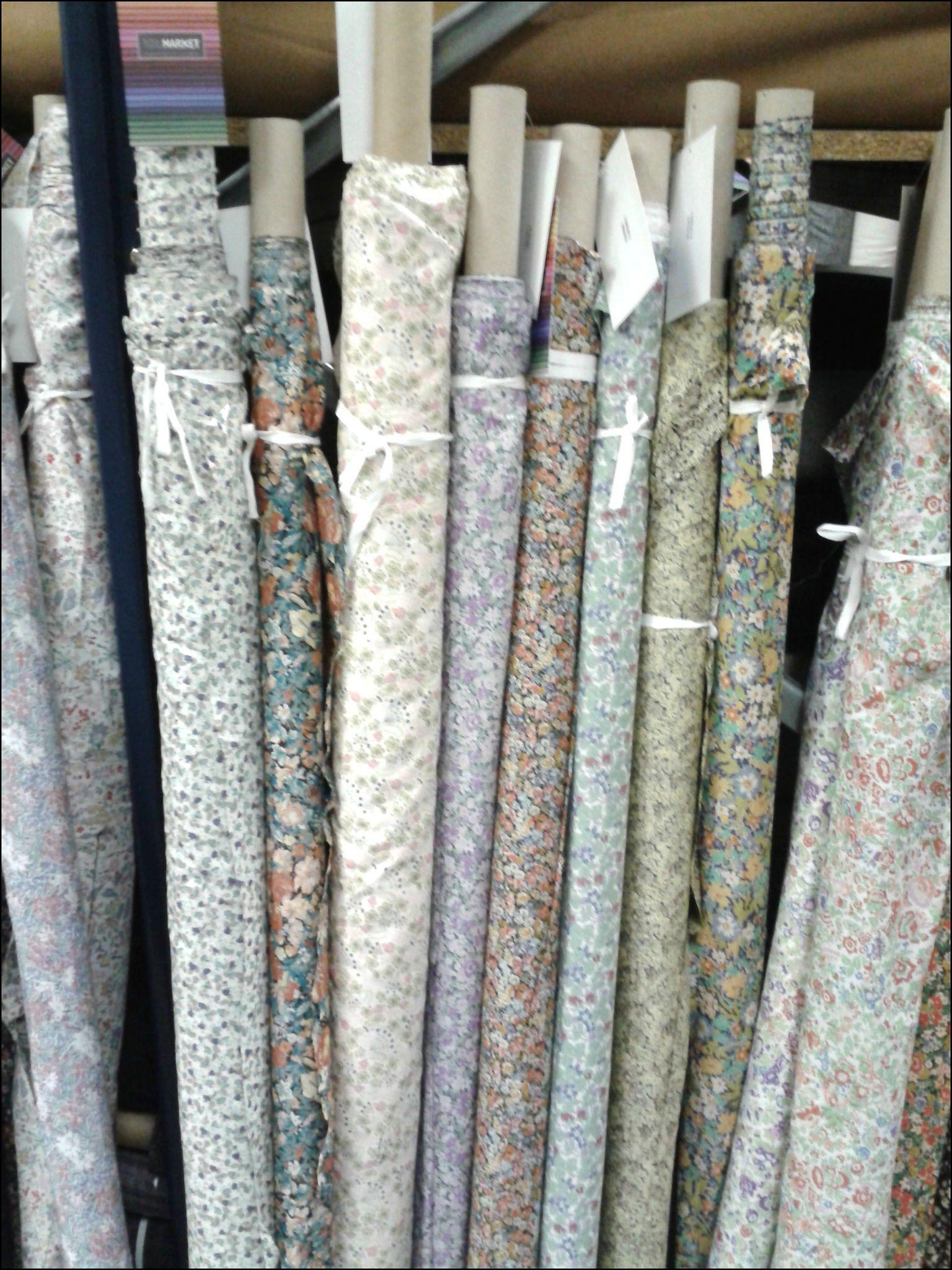 adresses magasins de tissus sur paris les ateliers de claraines couture boutique and. Black Bedroom Furniture Sets. Home Design Ideas