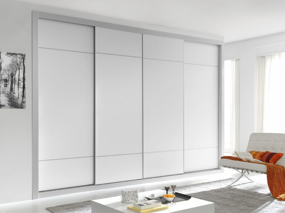 Puertas en melamina lacadas con perfil en plata mate armario actual armarios puertas correderas - Puertas armario correderas ...
