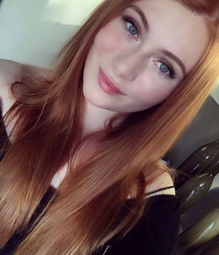 Pin By Pirate Cove On Redheads Freckles Pale Skin Blue Eyes 6