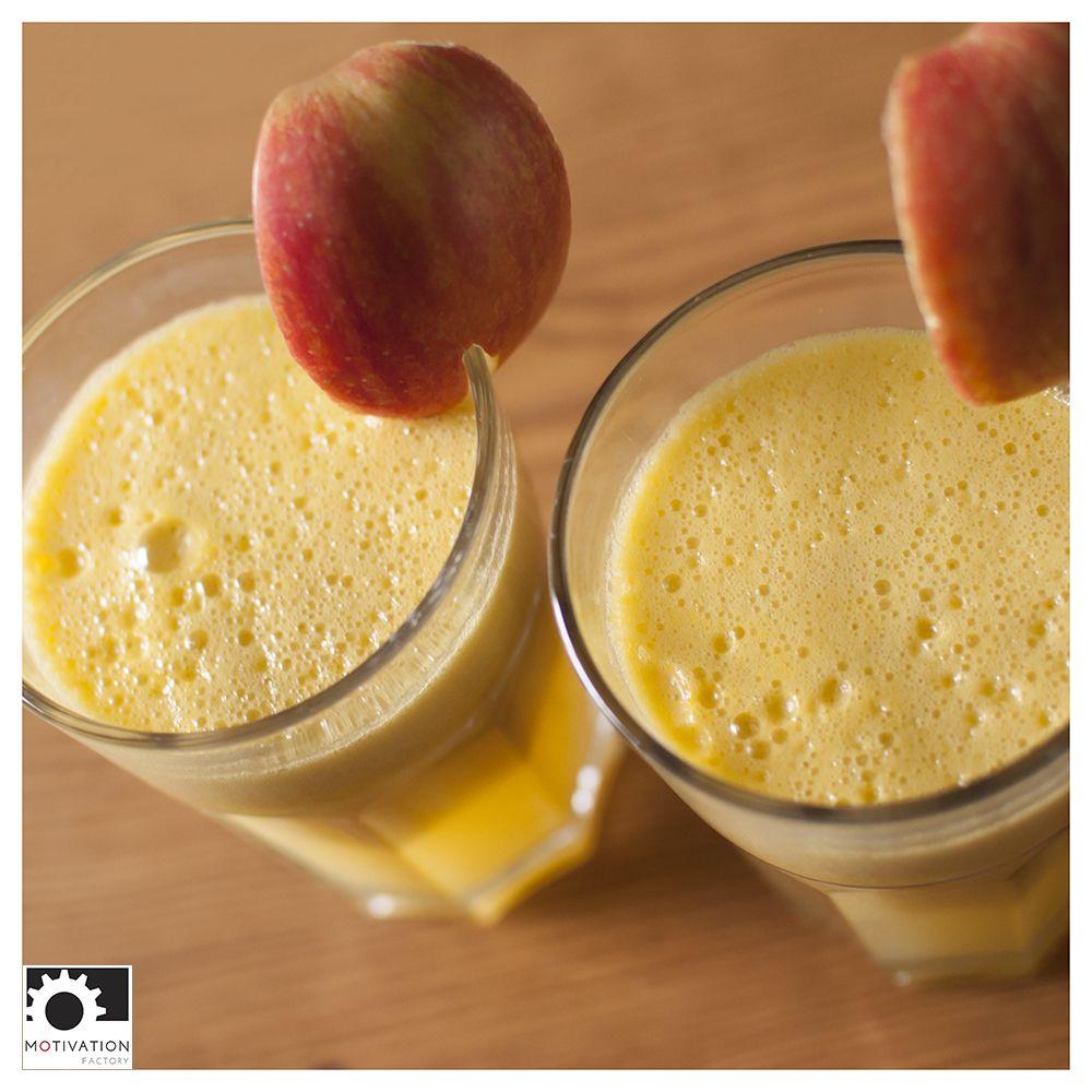 It is good to work at home! :) I have time to make a fresh apple juice !// Dobrze jest pracować w domu :) mam czas na zrobienie jabłkowego soku  Motivation Factory