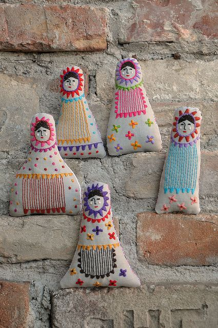 embroidered Russian dolls - so creative
