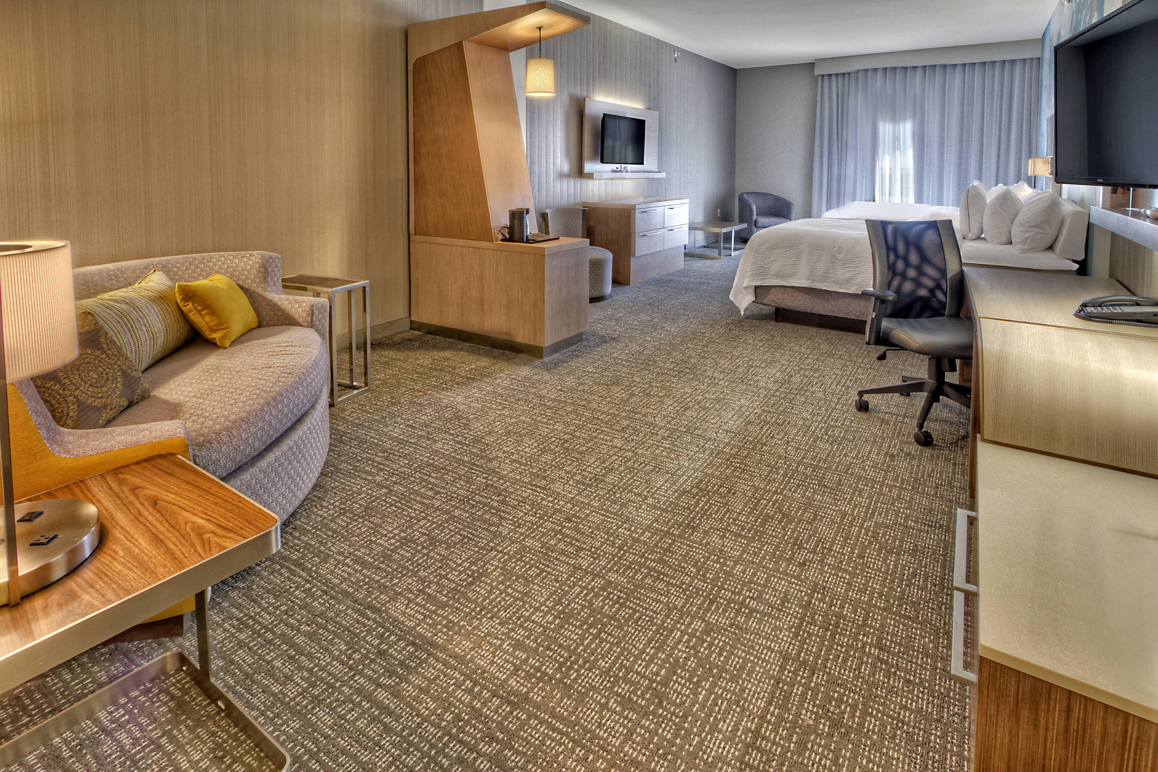 Courtyard san marcos queenqueen suite suite holidays