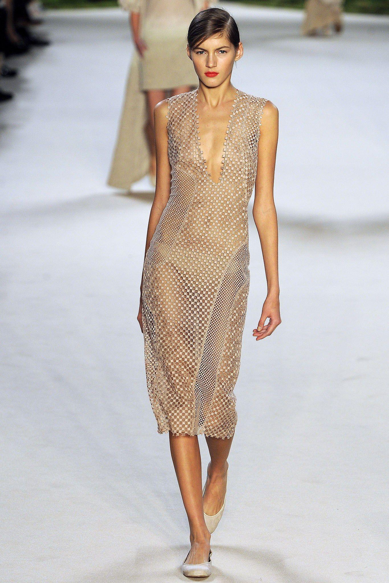 Akris Spring 2013 Ready-to-Wear Fashion Show - Valery Kaufman (Elite)