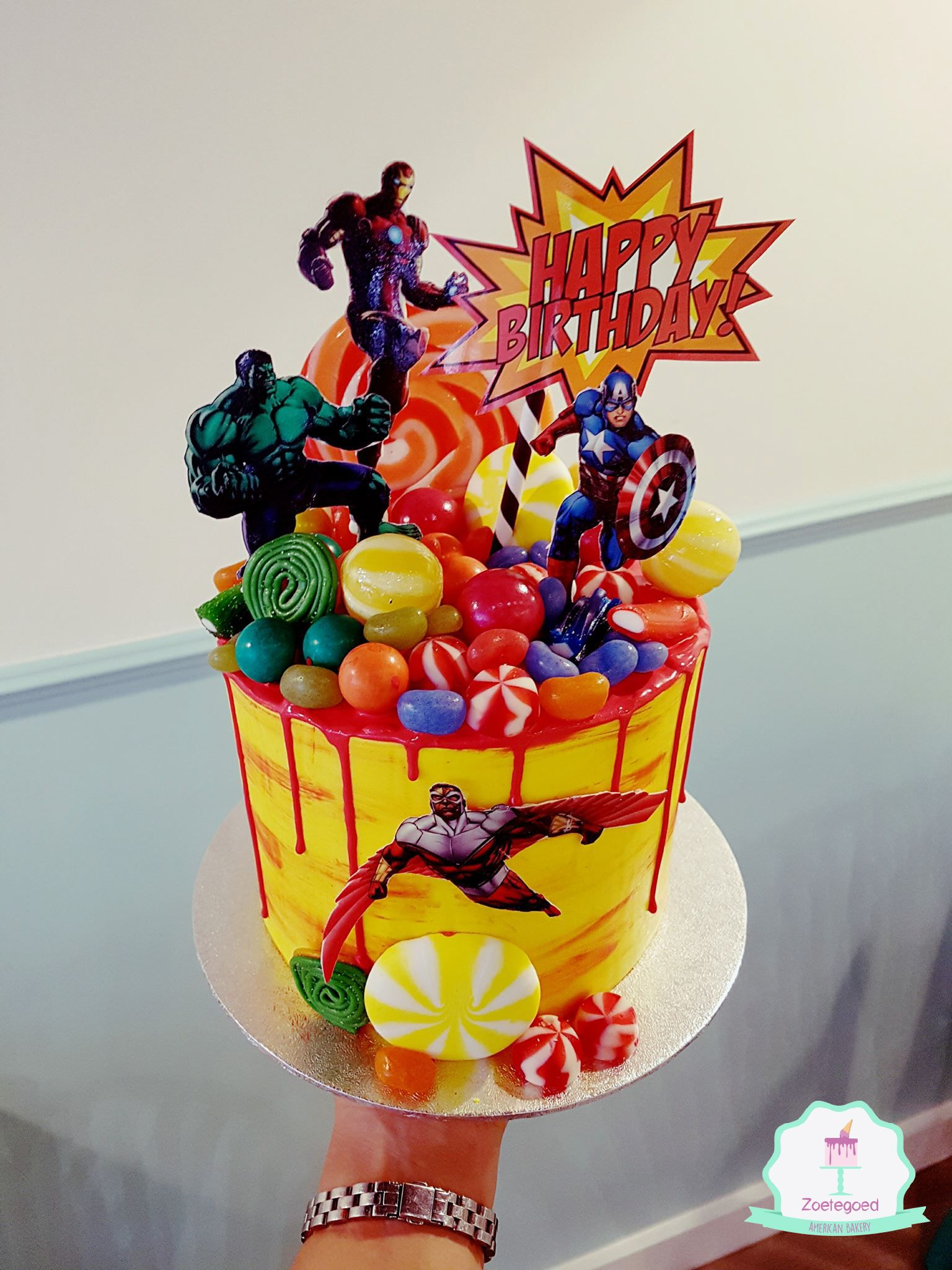 Marvel Heroes Drip Cake Superhero Party Pinterest Drip Cakes