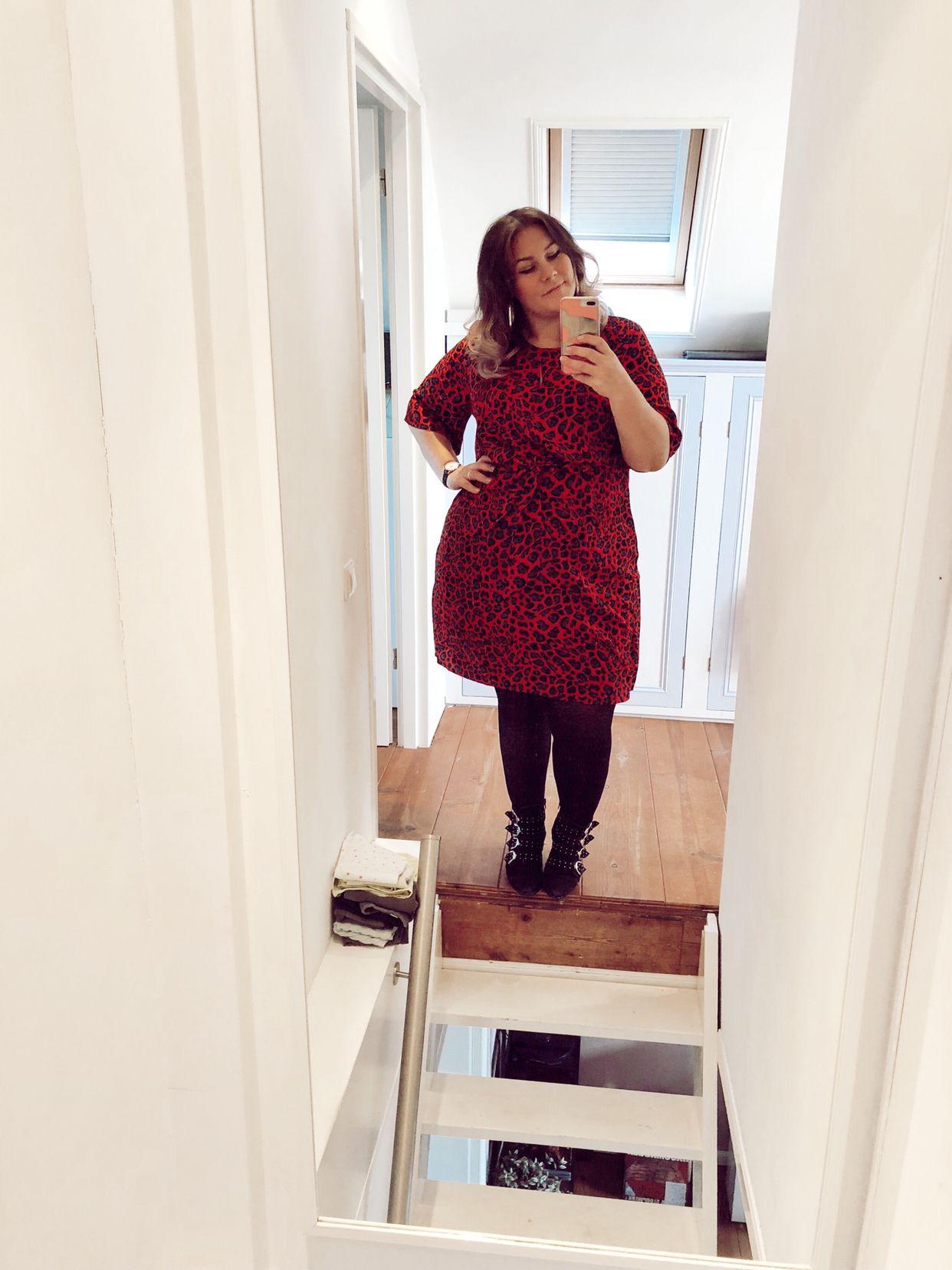 Zwangerschapskleding Voor Grote Maten.A Regular Dress Preggers Proof Plussizepregnant Curvymom
