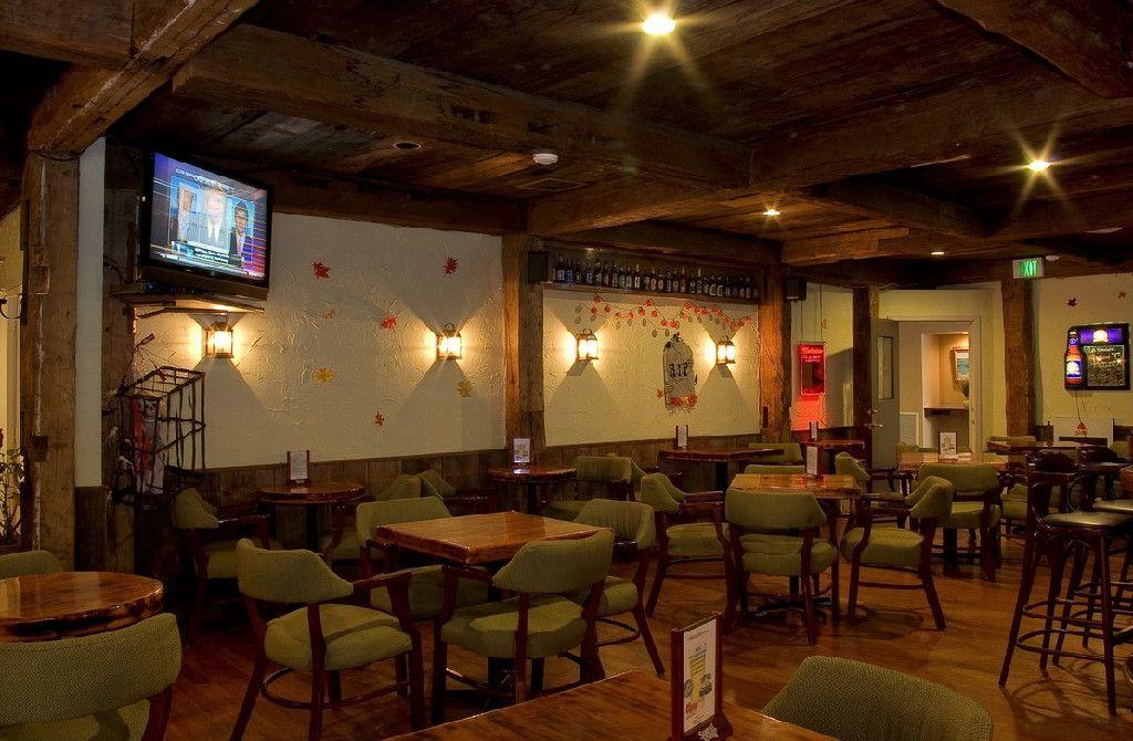 Irish restaurant and pub waterville maine irish