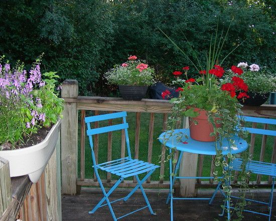 Cottage Deck Small Like The Bistro Set Being Colourful And The
