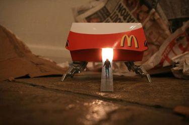 #StreetArt: El maravilloso trabajo de Slinkachu, maestro de la fotografía de miniaturas