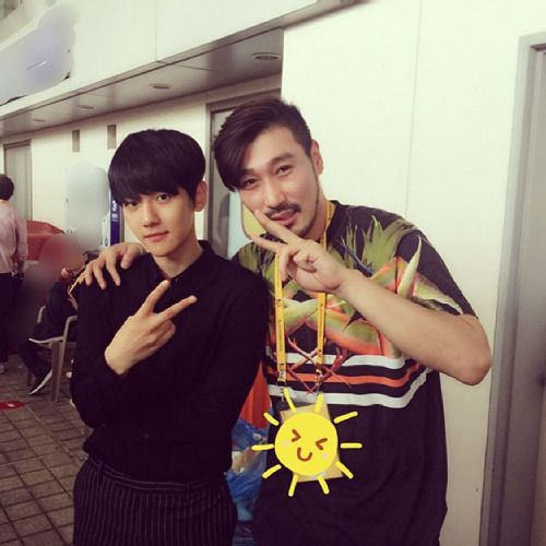 "Baekhyun - 160605 DJ S2's Instagram update: ""#드림 #드림콘서트 백현짱!! 엑소역시최고!!"" Translation: ""#Dream #Dream Concert Baekhyun jjang!! EXO is the best, as expected!!"" Credit: dj__s2."