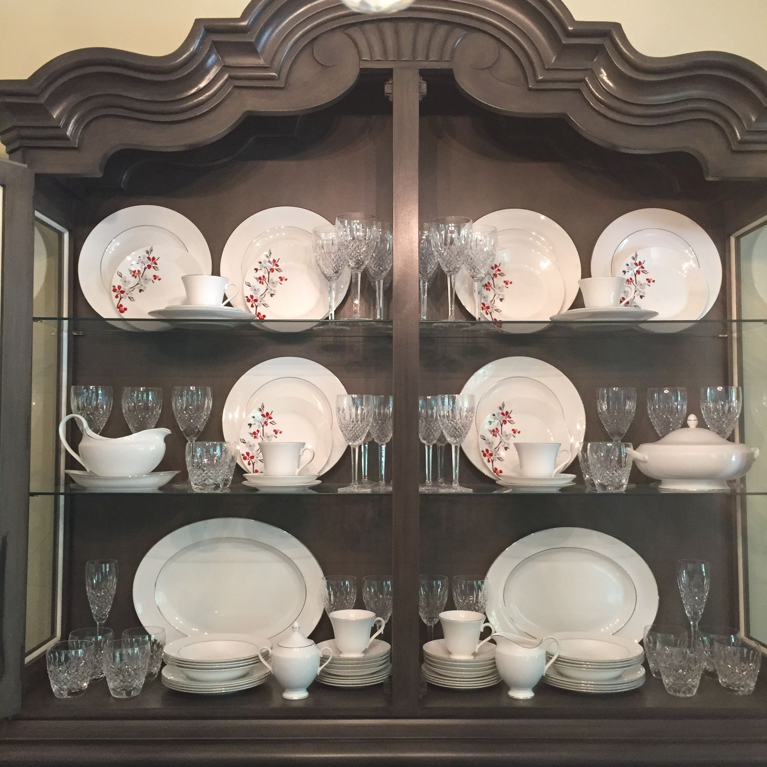 China crystal in china cabinet hutch i had a hard time for Arranging dishes in kitchen cabinets