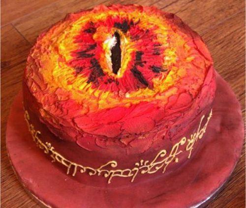 Eye of Sauron Cake via (http://goo.gl/WPDvS)