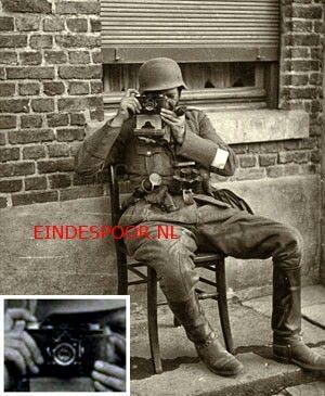 Deze verbeterde versie van de Super Nettel kwam in 1936 op de markt en is het 35mm-alternatief voor de duurdere Contax I.  Op de foto  zien we een Duitse militair met de Super Nettel, een verrekijker en een handgranaat. De foto is waarschijnlijk in Rusland genomen,t want ik vond hem op een Russische site.