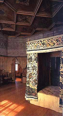 Mary Stuart Queen of Scots bedroom in Holyrood House ...