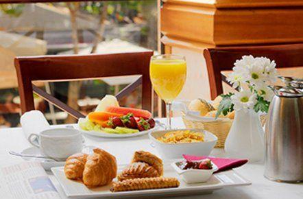 Completo desayuno del Sercotel Hotel Principe Paz en Santa Cruz de Tenerife