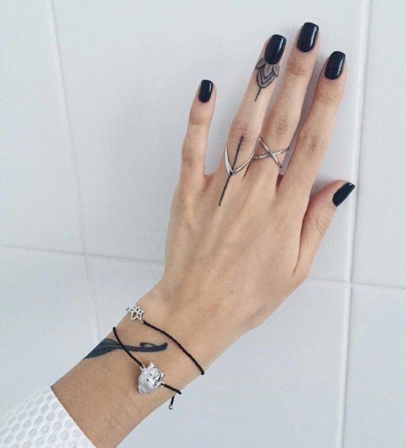 Tatuajes En Los Dedos Para Mujer
