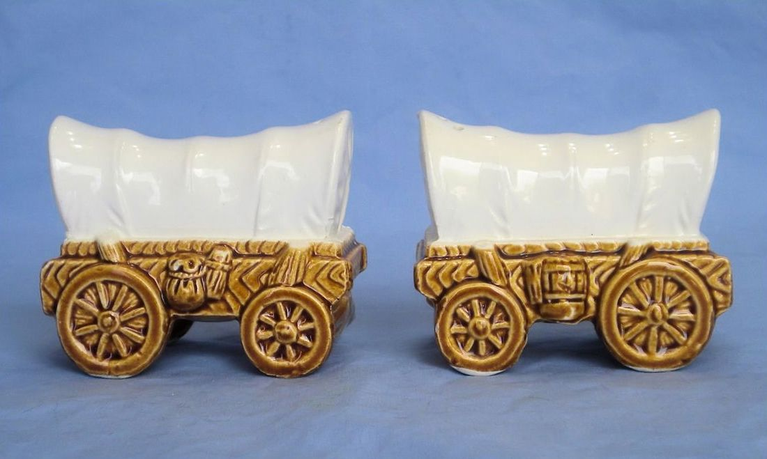 Farmhouse Salt and Pepper Western Shakers Country Western Shakers Rustic Shakers Vintage Covered Wagon Salt and Pepper Shakers
