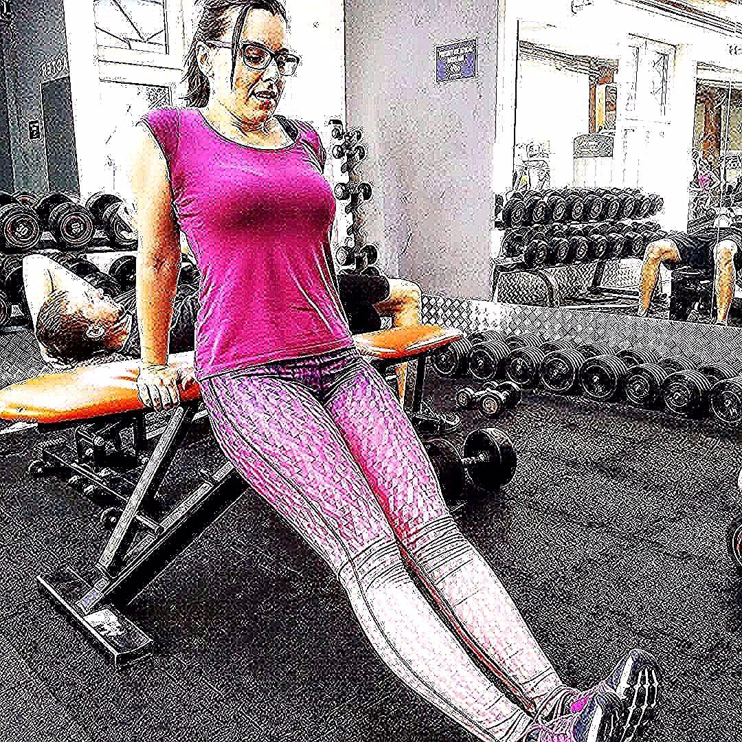 Tricek przed pracą  #goodday #morning #eudezet #evergym #gym #work #fioletowy #polishgirl  Tricek przed pracą  #goodday #morning #eudezet #evergym #gym #work #fioletowy #polishgirl #tricepsworkout #tricki #personaltrainer #trening #treningprzedpraca #fullbodyworkout #kobietocwicz #instagirl #odwrotne #pompki