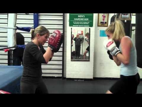 How To Use A Boxing Mp3 Workout Routine On Punching Bag Sports Videos News Watch Free Online Boxing Moto Punching Bag Workout Workout Routine Punching Bag