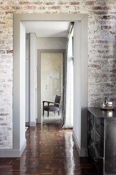 Create An Elegant Statement With A White Brick Wall Design Ideas Brick Interior White Wash Brick White Brick Walls