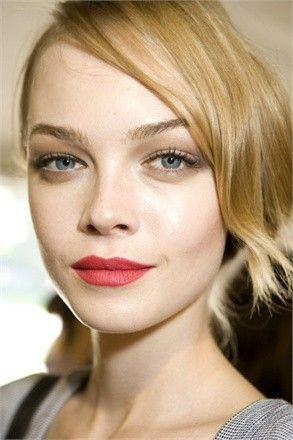 Rossetto rosso opaco sfilata Dior
