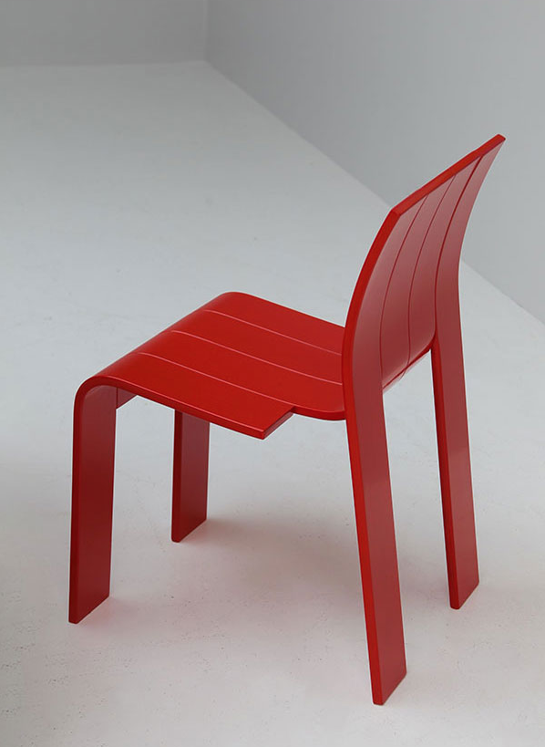Gijs Bakker; Lacquered Bent Plywood Stacking Chair for Castelijn, 1974.