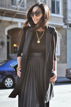 black pleated skirt zara - Buscar con Google | How to wear ...