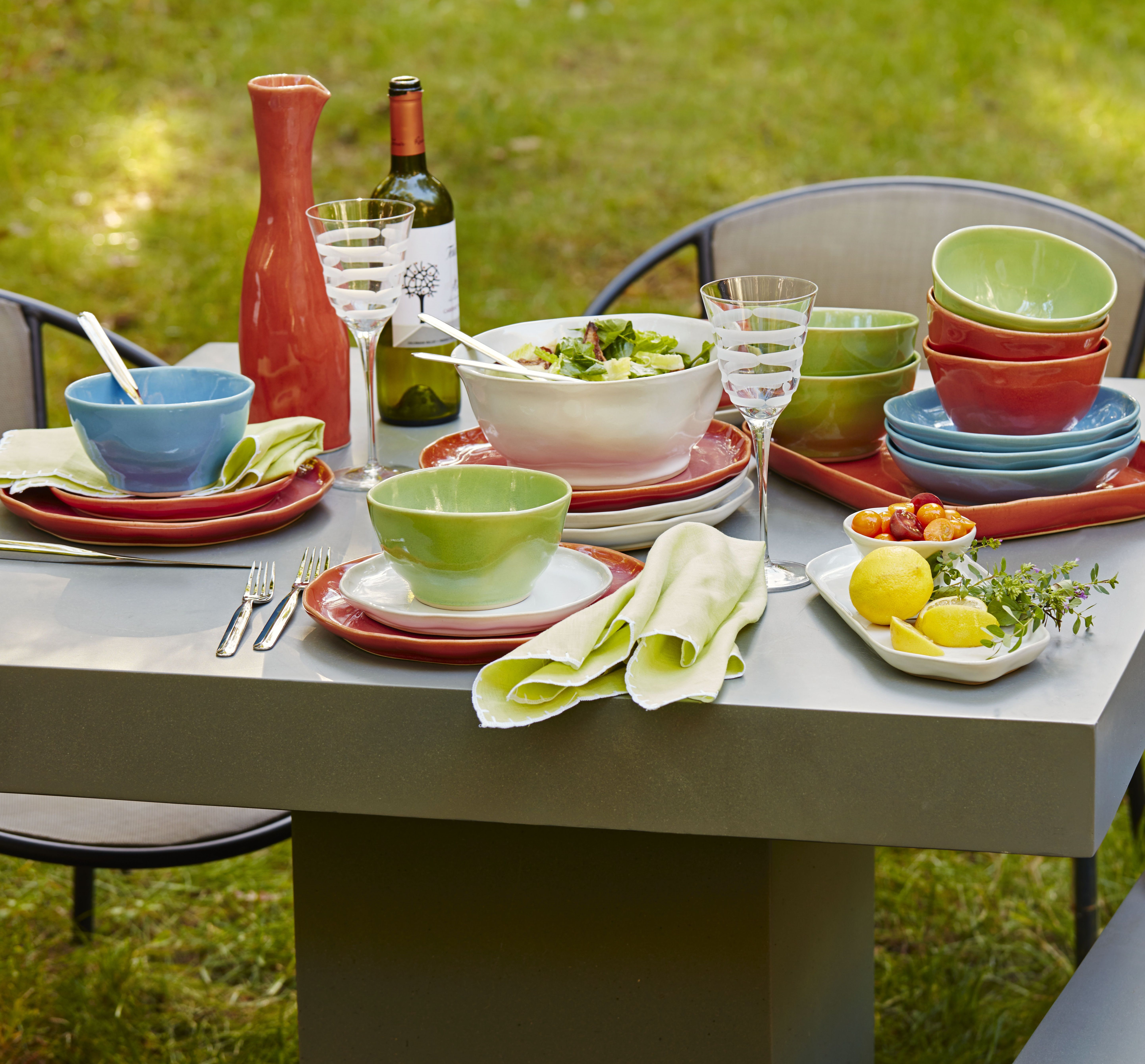 Al Fresco Entertaining   Outdoor Dining   Bright Dinnerware Accessories    Durable Plates And Bowls  