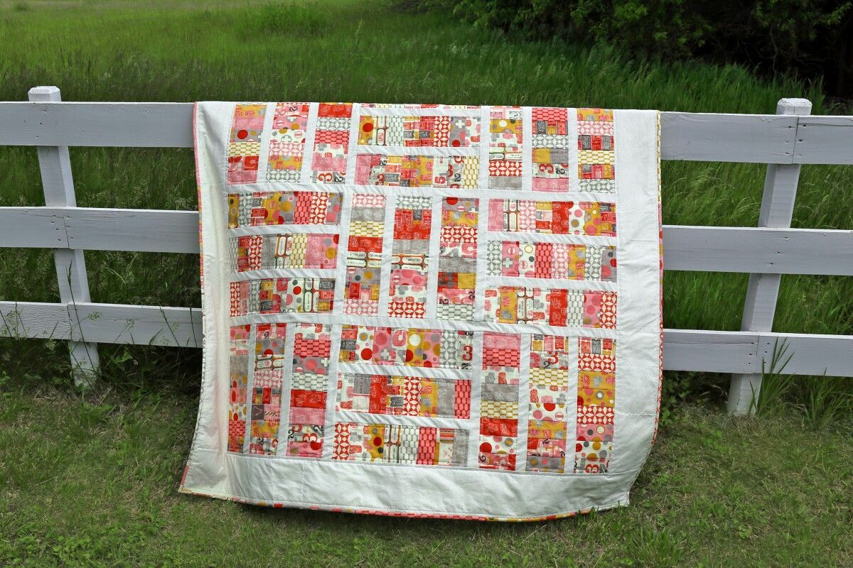 Sugar pop and change pattern from the moda bakeshop. Fun quilt to make. Moda jelly roll.
