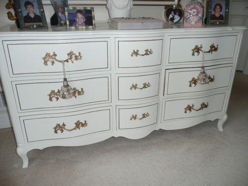 Best Antique Off White French Provincial Dresser W Gold Trim 62 400 x 300