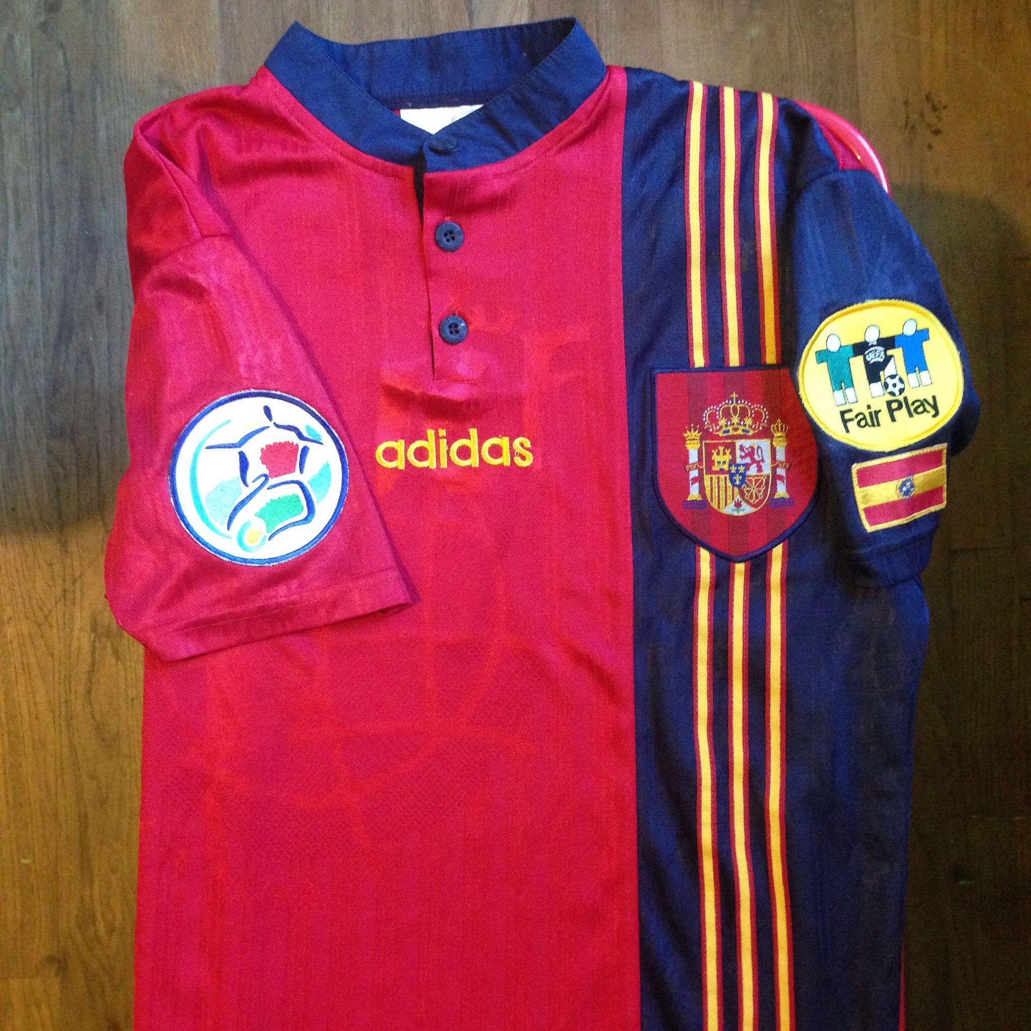 UEFA Euro 1996 England Spain Home Jersey    Primera Equipación de la  Selección Española para 4d0e0ce469f24