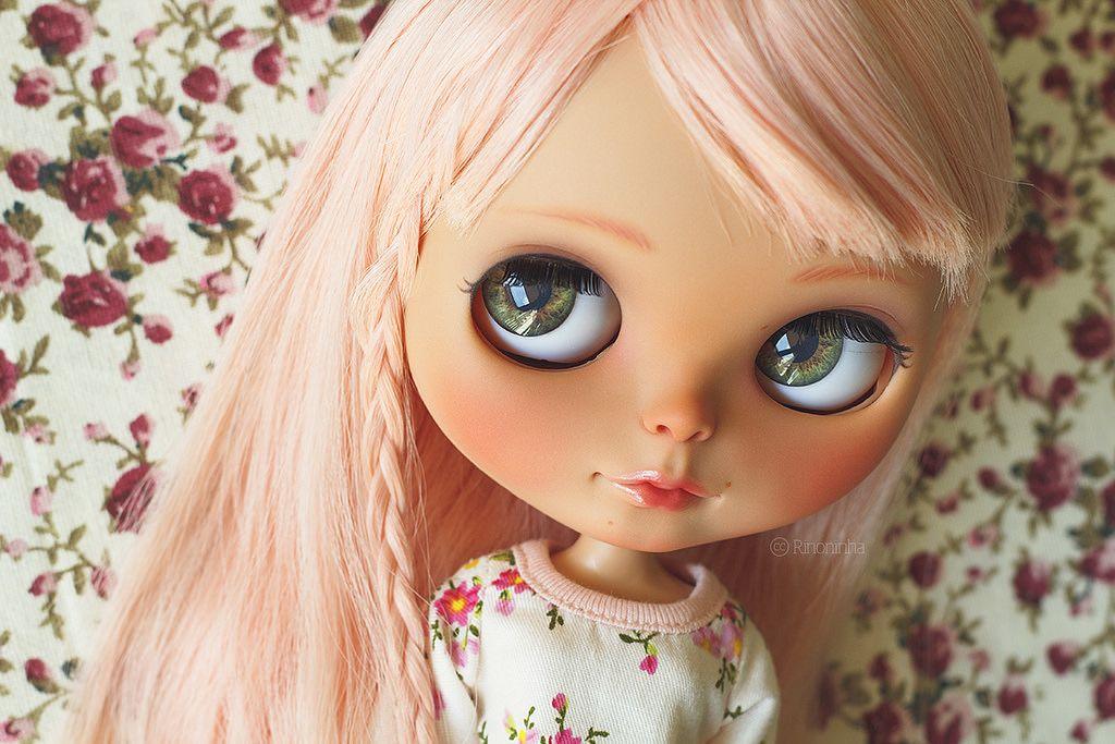 "nenelallu: ""  Custom por Rinoninha Por Flickr: Someone got a new face-up :) Follow us on: Facebook Flickr Tumblr Website ________ Esta pequeñaja ahora tiene un maquillaje nuevo :) """
