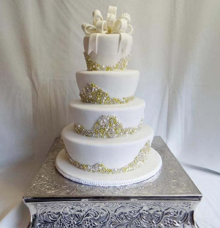 Bling Wedding Cakes From Renees Gourmet Serving Ft