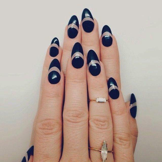 Uñas con diseños en color azul