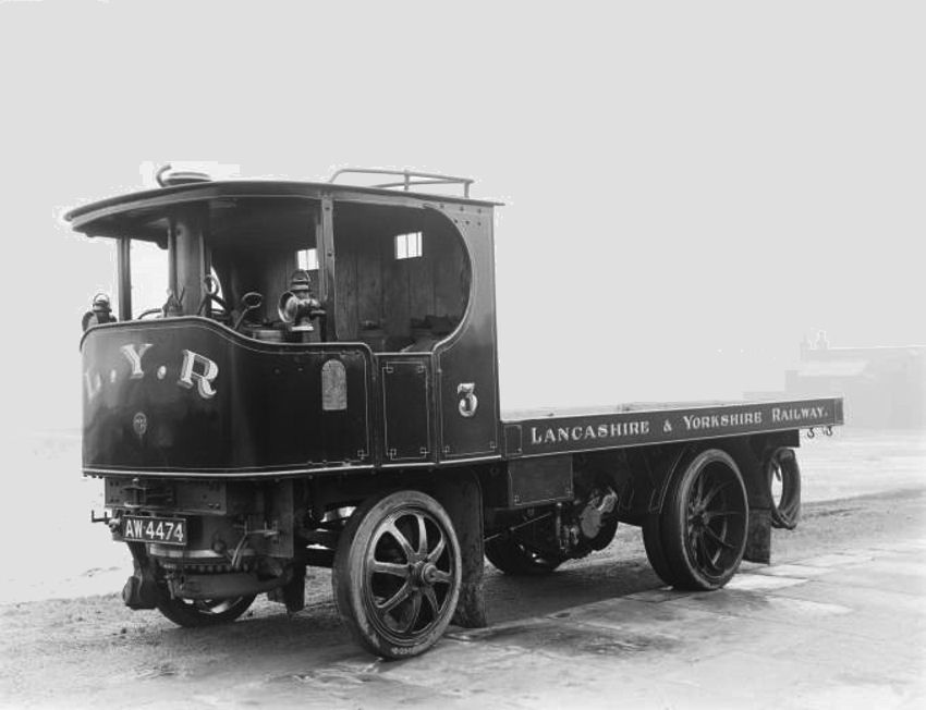 Sentinel steam truck, 1919. Steam powered road vehicles were ...