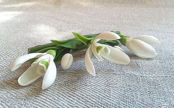 Handgefertigte Haarspange Mit Schneeglockchen Blumenschmuck Etsy Floral Jewellery Handmade Flower Hair Accessories Wedding