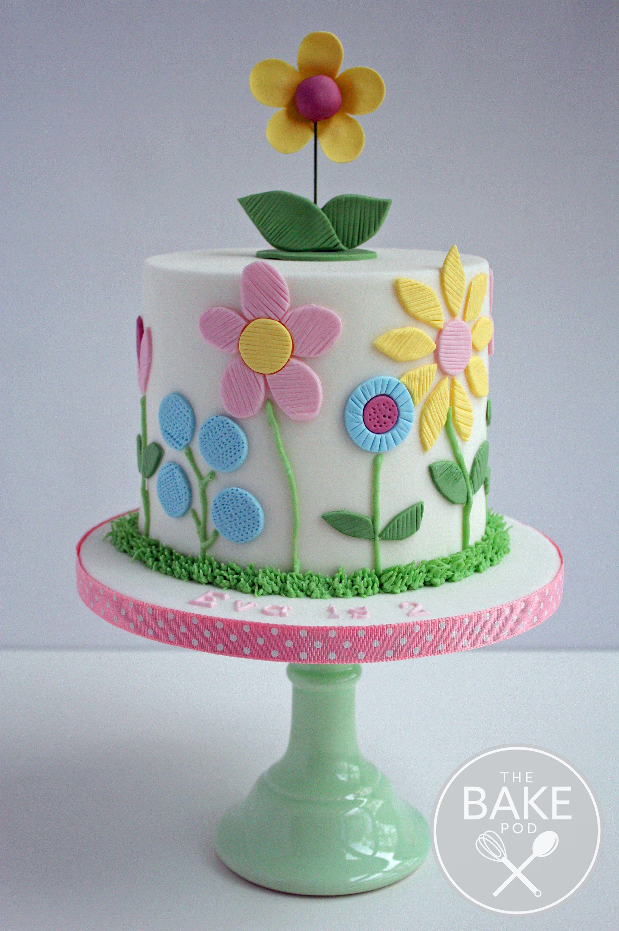 Beautiful Flower Themed Girls Birthday Cake Girlsbirthdaycake Flowercake Summer