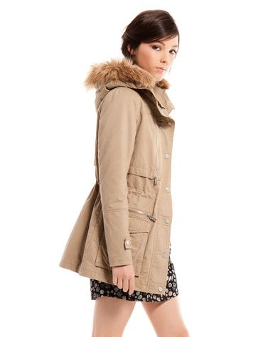 migliori offerte su 60% economico eccezionale gamma di stili Bershka fur hood parka | Stile di moda, Pelliccia e Autunno inverno