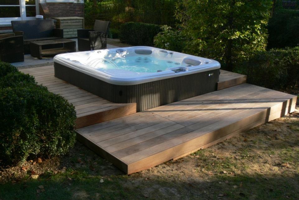 Spa HotSpring Envoy - Bienfait Wellness \ Spa Hot Spring Spas - construire sa terrasse bois