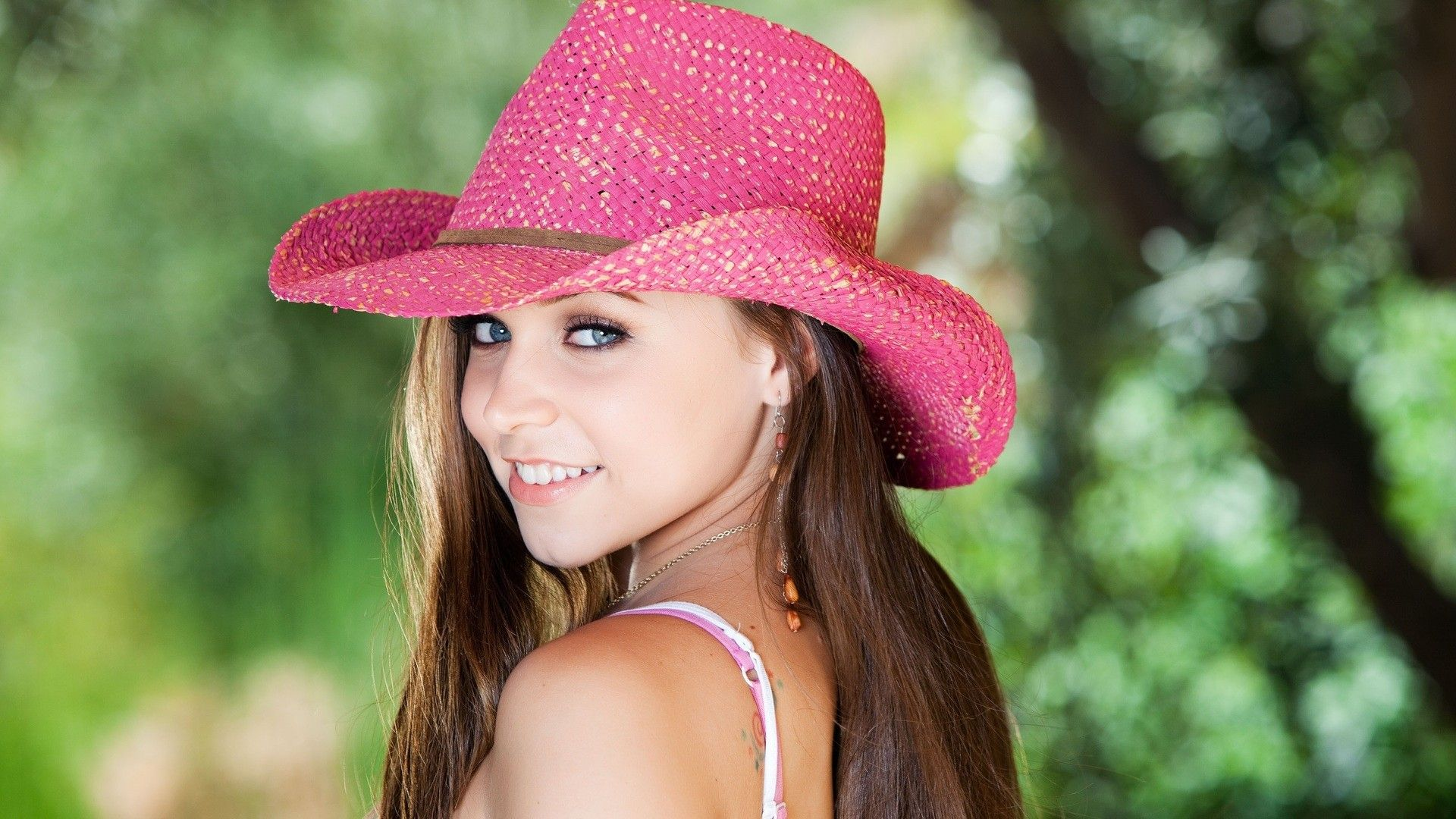 Models in pink girlsmodelsthegirlinthepinkhat078322g i want a beautiful country girl voltagebd Image collections