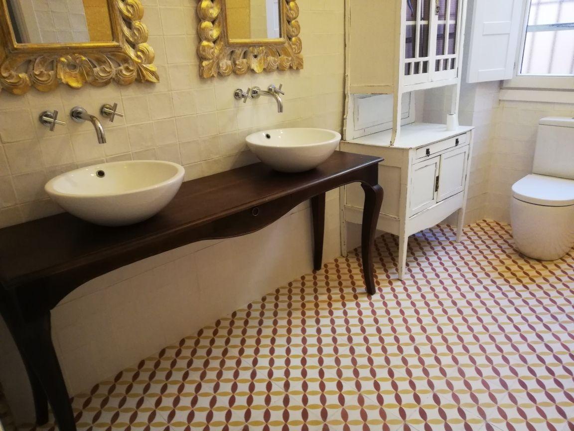 Suelo hidráulico para baño clásico   Suelos, Suelos baños ...