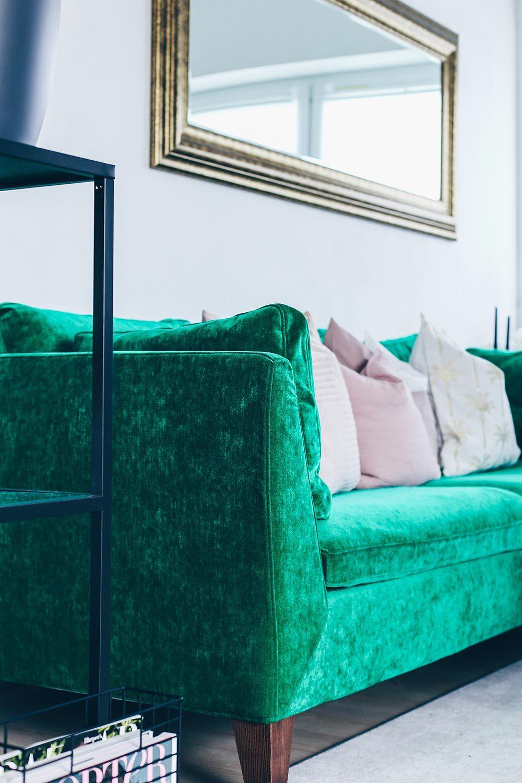 Grüner Sofa Bezug Aus Samt, Wohnzimmer Ideen, Wohnzimmer Inspiration,  Living Room Ideas