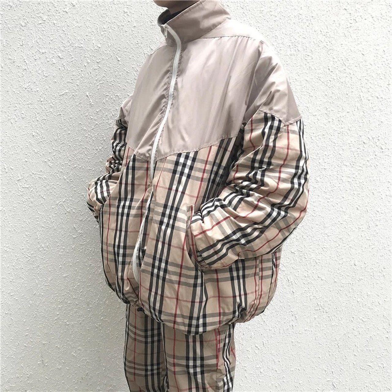 burberry vibe Nova checked puffer jacket , good for winter M : chest 134 Shoulder 79 Sleeve 44 Length :71 L : chest 138 Shoulder80 Sleeve45 Length :72 XL : chest 142 Shoulder81 Sleeve46 Length :73 Brand New condition Message me before purchase Ship worldwide but postage is varied due to different country