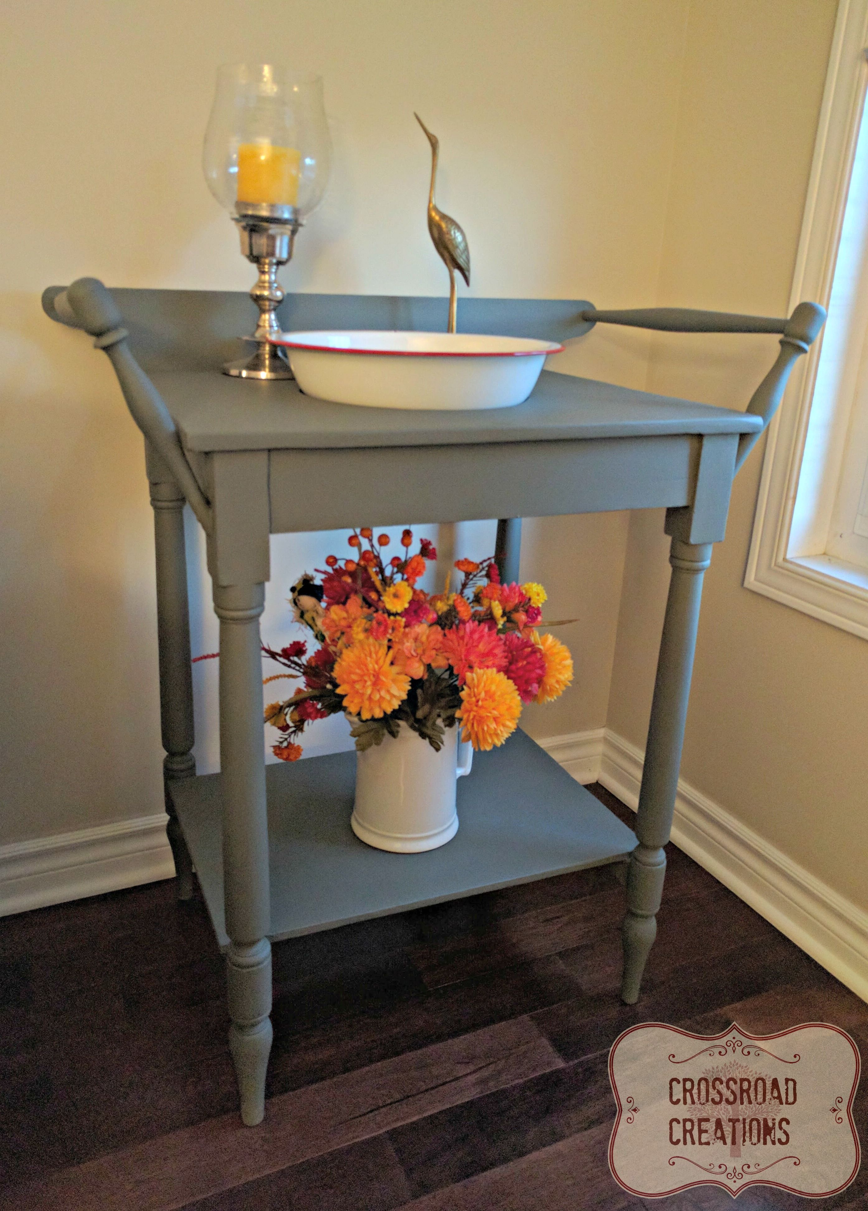 Painted Washstand In Nocturnal By Country Chic Paint #restyle #furniture  #painted Www.