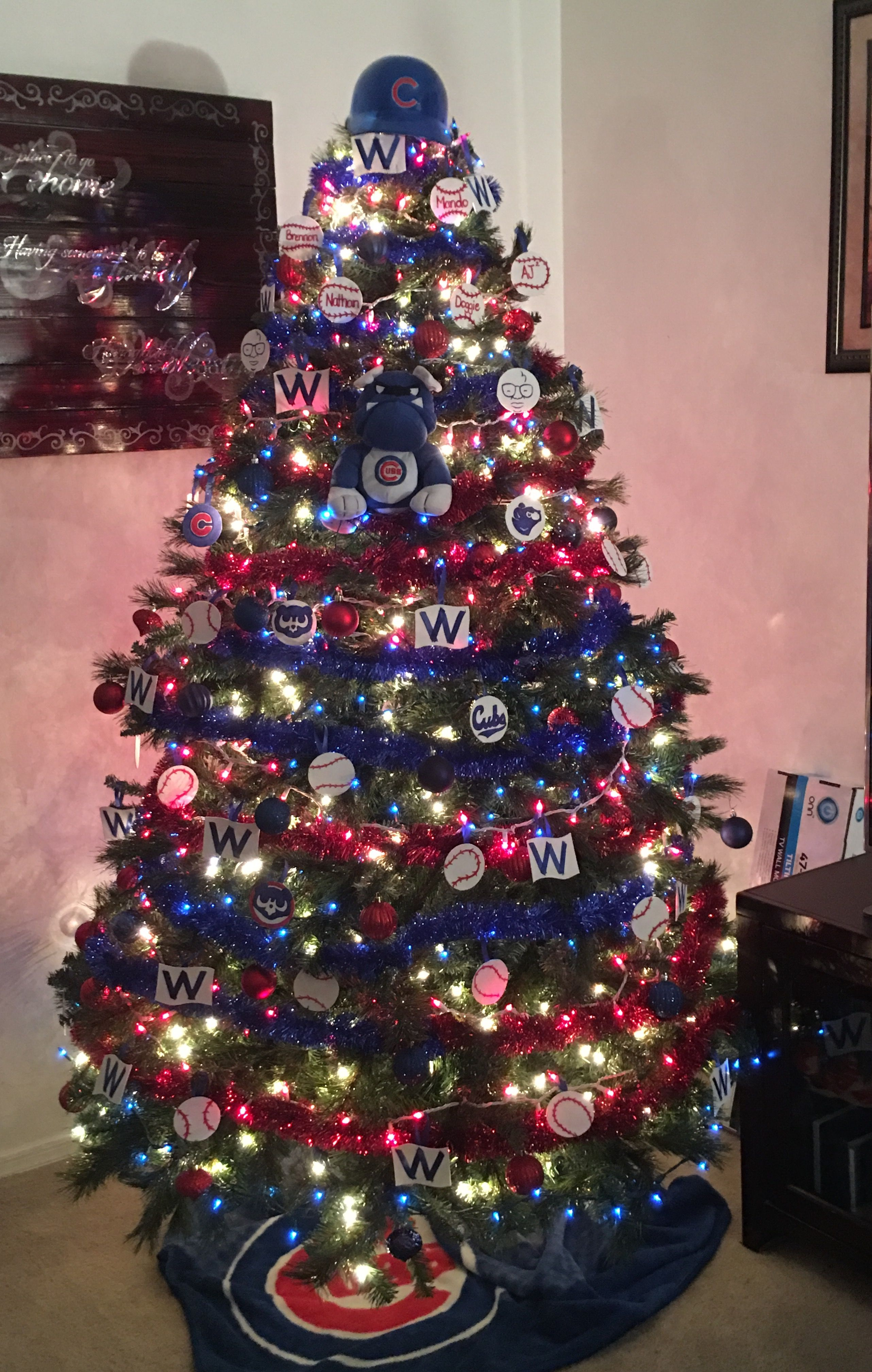 our chicago cubs christmas tree 2016champions cubbies