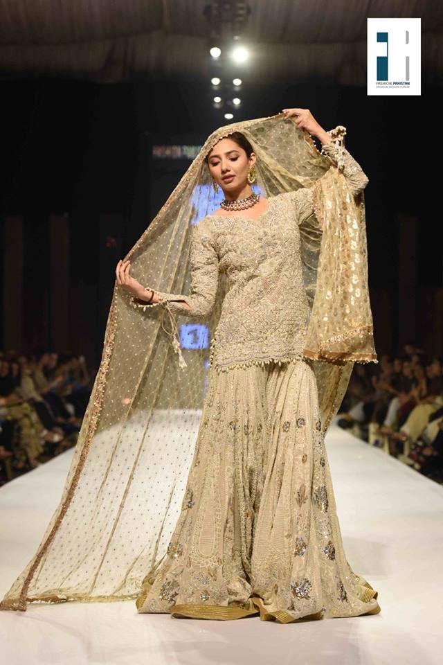 Best Popular Top 10 Pakistani Bridal Dress Designers Hit List 2020 Pakistani Engagement Dresses Pakistani Bridal Dresses Mahira Khan Dresses